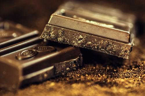 des carrés de chocolat